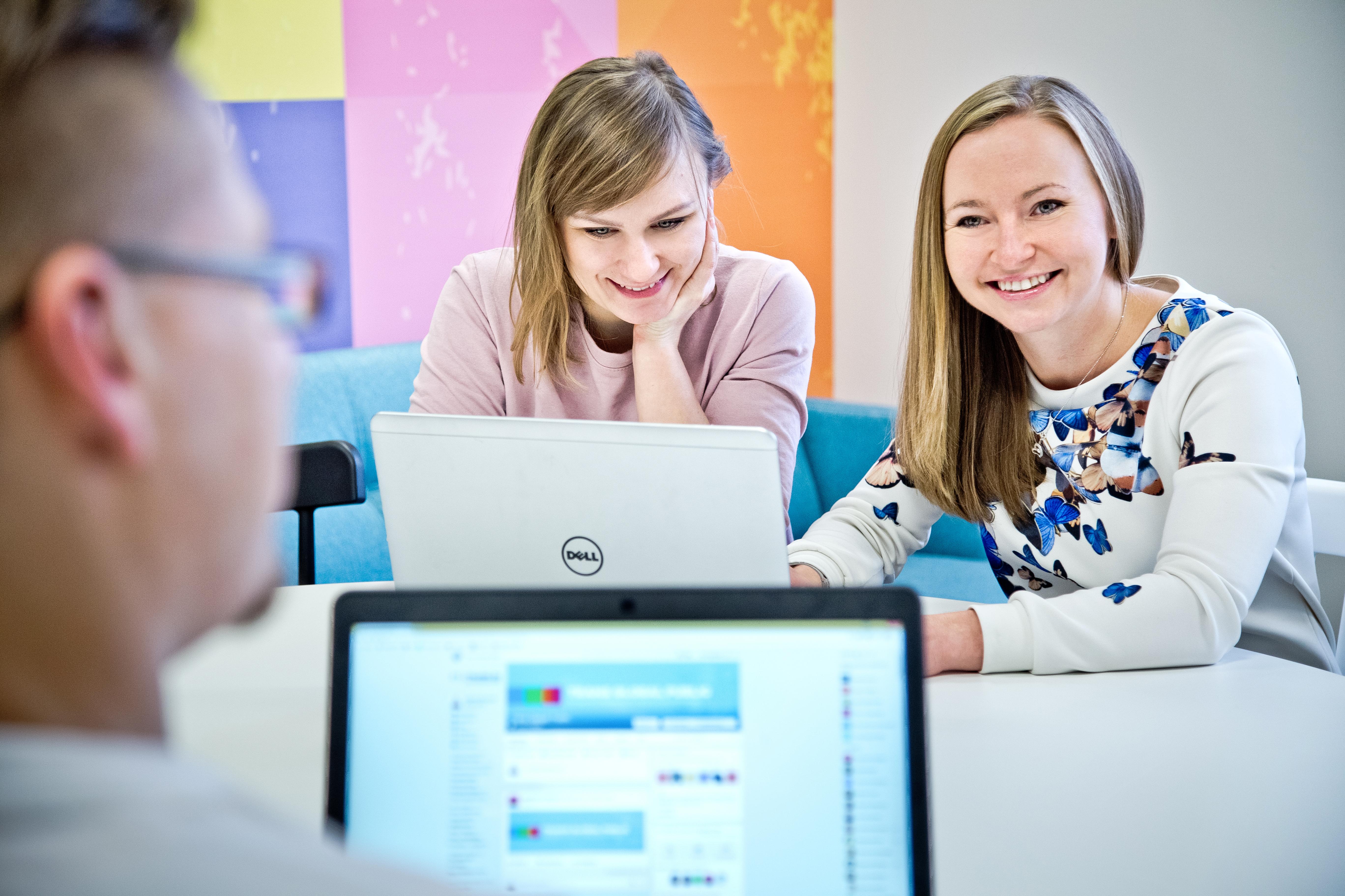 Zespół Trans.eu korzystający z serwisu Workplace