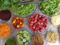 Szeroki wybór warzyw zachęca do zdrowej diety.